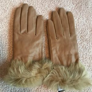 Accessories - Brown faux fur trimmed leather gloves